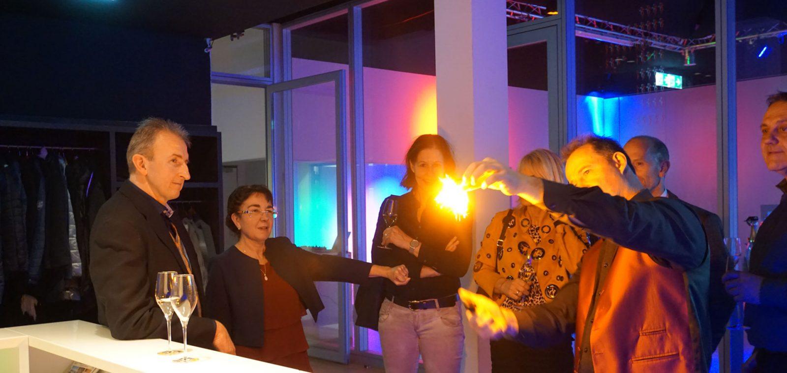 Tischzauberer in Stuttgart, close up Zauberer, Table hopping - Geburtstag, Hochzeit, Firmenfeier mit den Tischzauberer Stuttgart auch zur Weihnachtsfeier und Sommerfest.